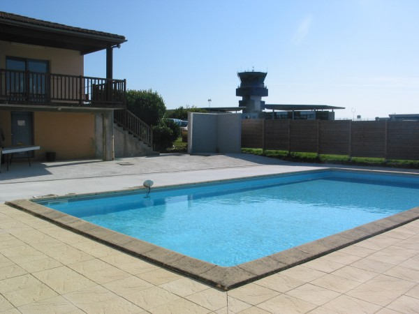 Sarl coderen cr ation am nagement de terrasse limoges for Construction piscine limoges